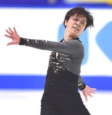 足不安の宇野昌磨、練習は1回転半でバランス崩す