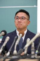 関学大QBの父・奧野氏、内田前監督と井上前コーチへの告訴状を提出…