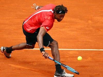 王者ナダルに圧倒されたモンフィスは観客に相談、アドバイス求むも完敗<男子テニス>