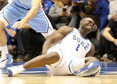 ナイキ、イメージダウンの払拭図る スター選手のバスケシューズ崩壊