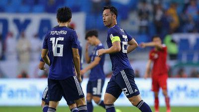 日本代表、4強懸けたベトナム戦は0-0のまま後半へ…吉田のゴールがVARで取り消しに