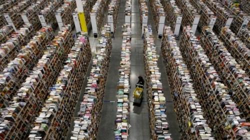アマゾン倉庫 スタッフ 16キロ歩行に関連した画像-01