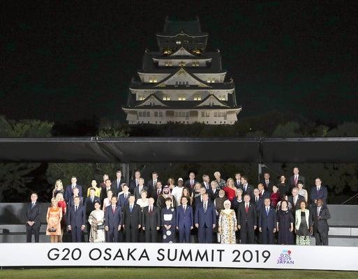 安倍総理 大阪城 エレベーター 大きなミス バリアフリー 批判殺到に関連した画像-01