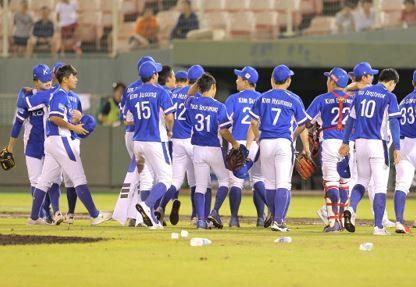 韓国 台湾 野球 アジア選手権 ペットボトル 投げ捨て マウンドに関連した画像-01
