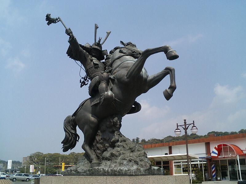 カゴシマニアがゆく:島津義弘公銅像の愛で方