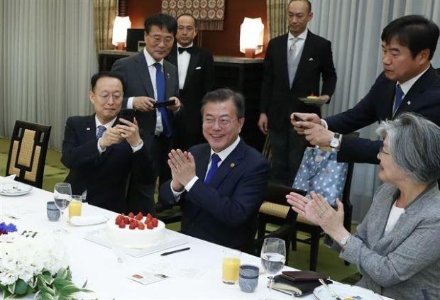 左派韓国人「文在寅大統領に出さ...