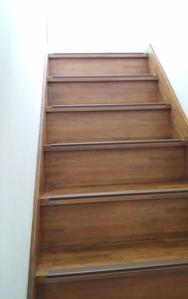 階段ヘリの滑り止め:貸家3号