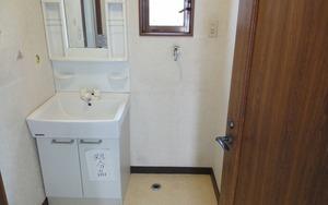 洗面室・ビフォー:貸家3号