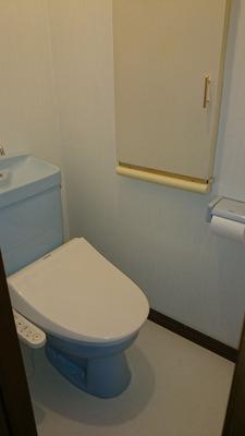 貸家1号:2階トイレ完成