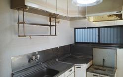 キッチン(吊戸・リフォーム前):貸家2号