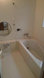 浴室・ビフォー:貸家3号