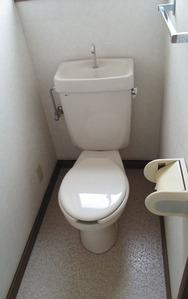 2階トイレ・ビフォー:貸家3号