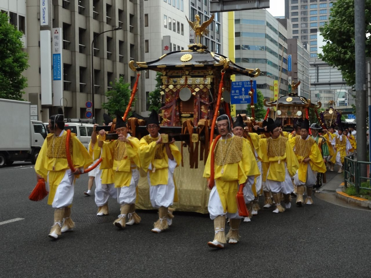 今日はなにを食べようかなぁ! : 日枝神社 山王祭2014 神幸祭
