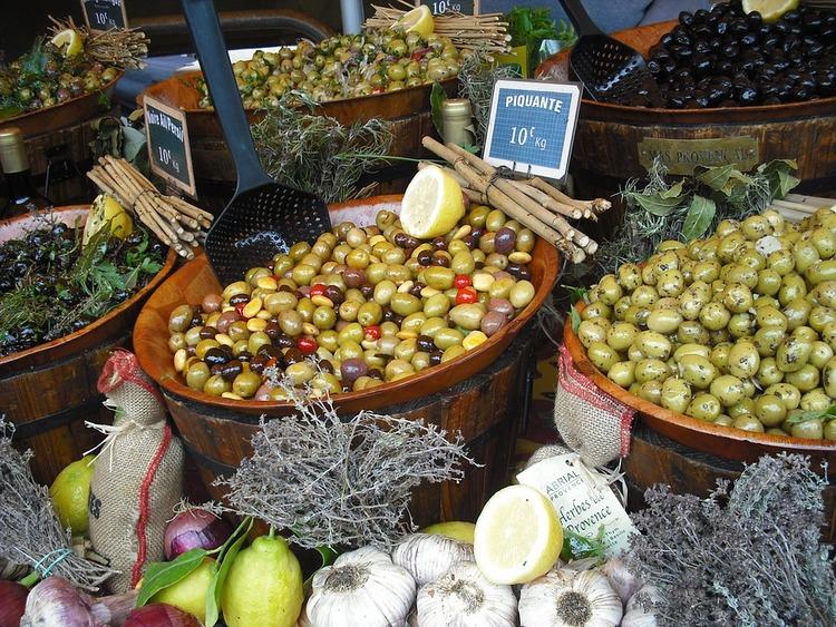 provence-market-173065_960_720