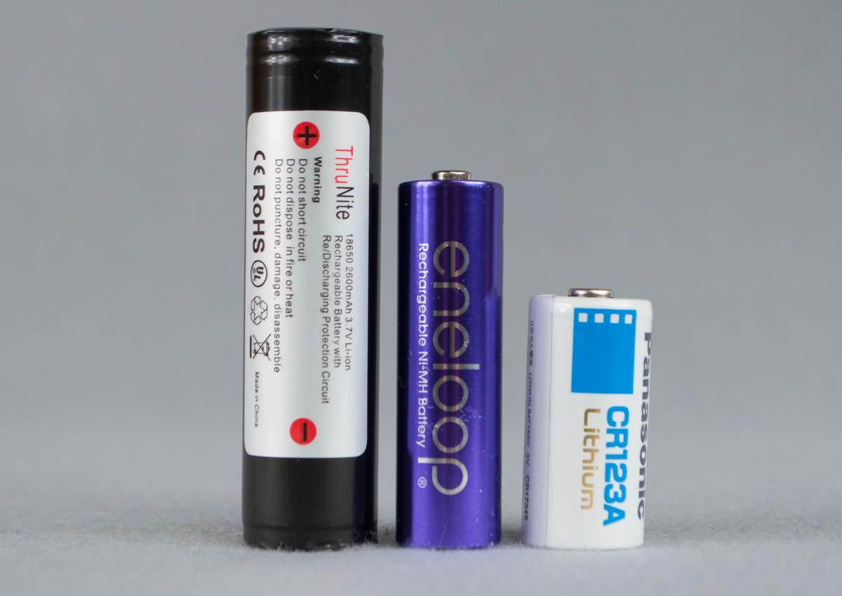 18650電池とは?スルーナイト(ThruNite) 18650 【2600mAh/3.7v/保護回路 ...