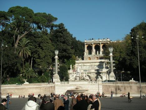ポポロ広場からナポレオン広場