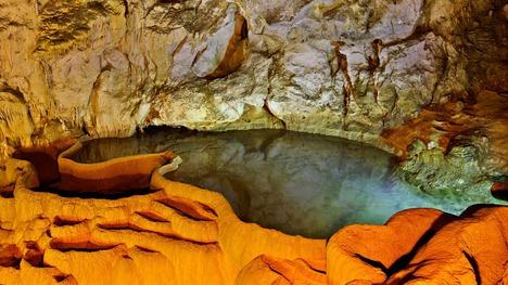 140309カラヴリタの洞窟湖@ギリシャ ペロポネソス