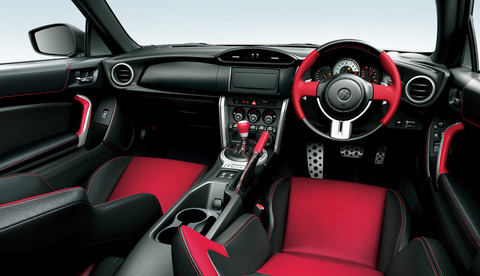 2015-Toyota-GT-86-update-interior