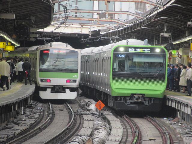 Yamanoteline_new_and_old_@shinjuku