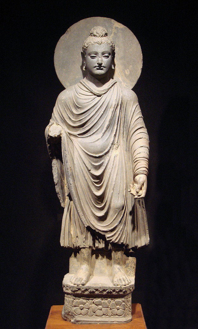 800px-Gandhara_Buddha_(tnm)