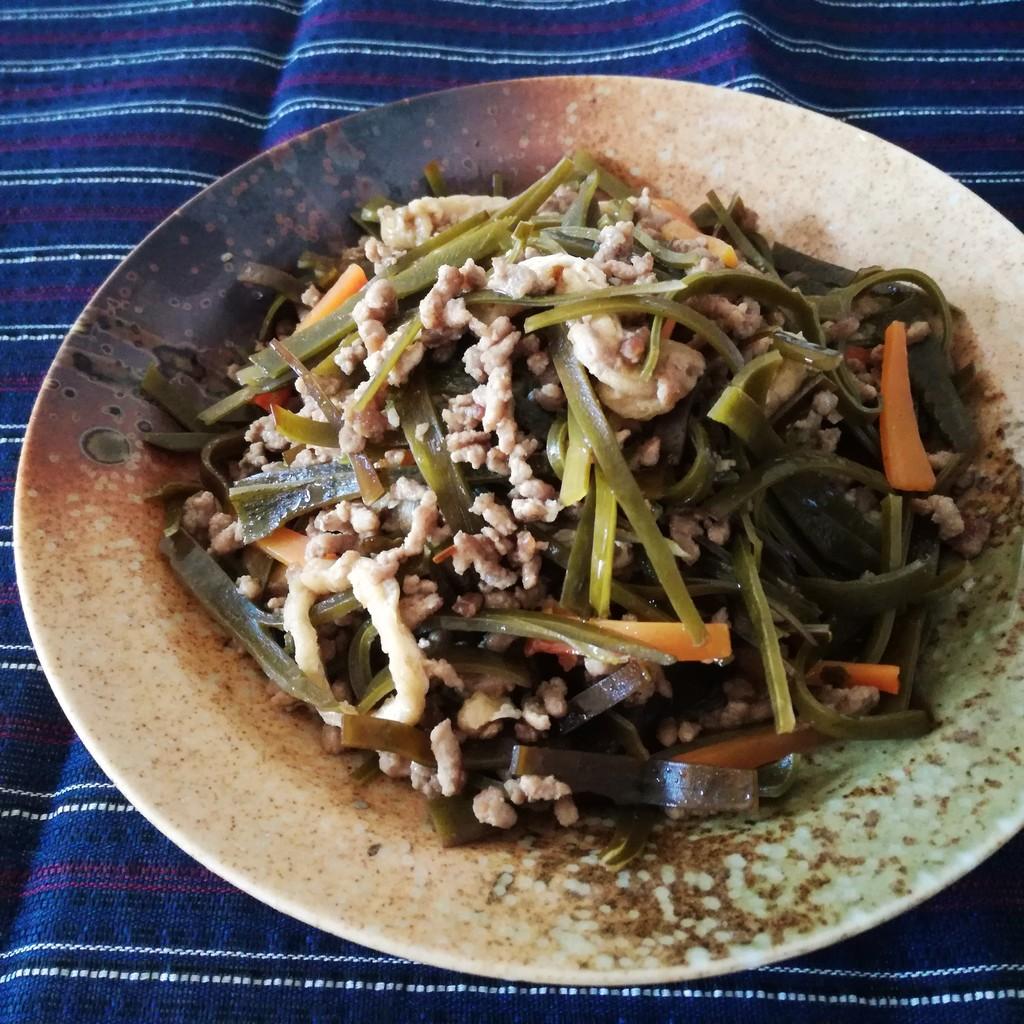 辻調通信番外編 昆布の炒め煮 : Puyomeのごはんできてるよ。
