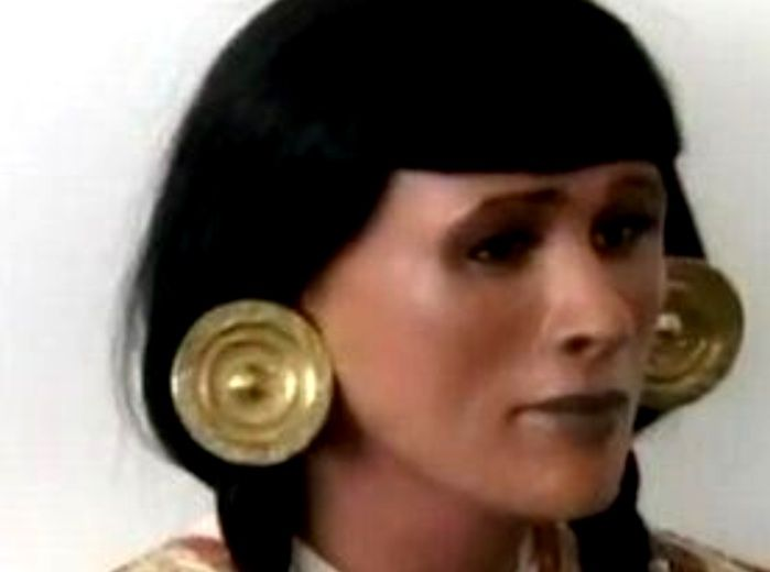 自由気ままに : YouTube海外ニュース 「復元した800年前の女司祭の顔が…」