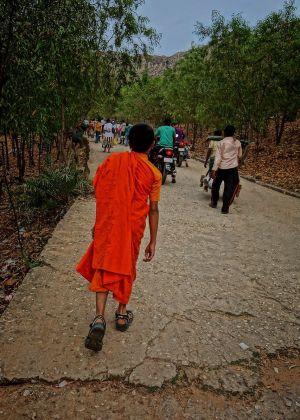 バングラデシュ寺の小坊主