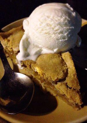 アップルパイ with アイスクリーム。