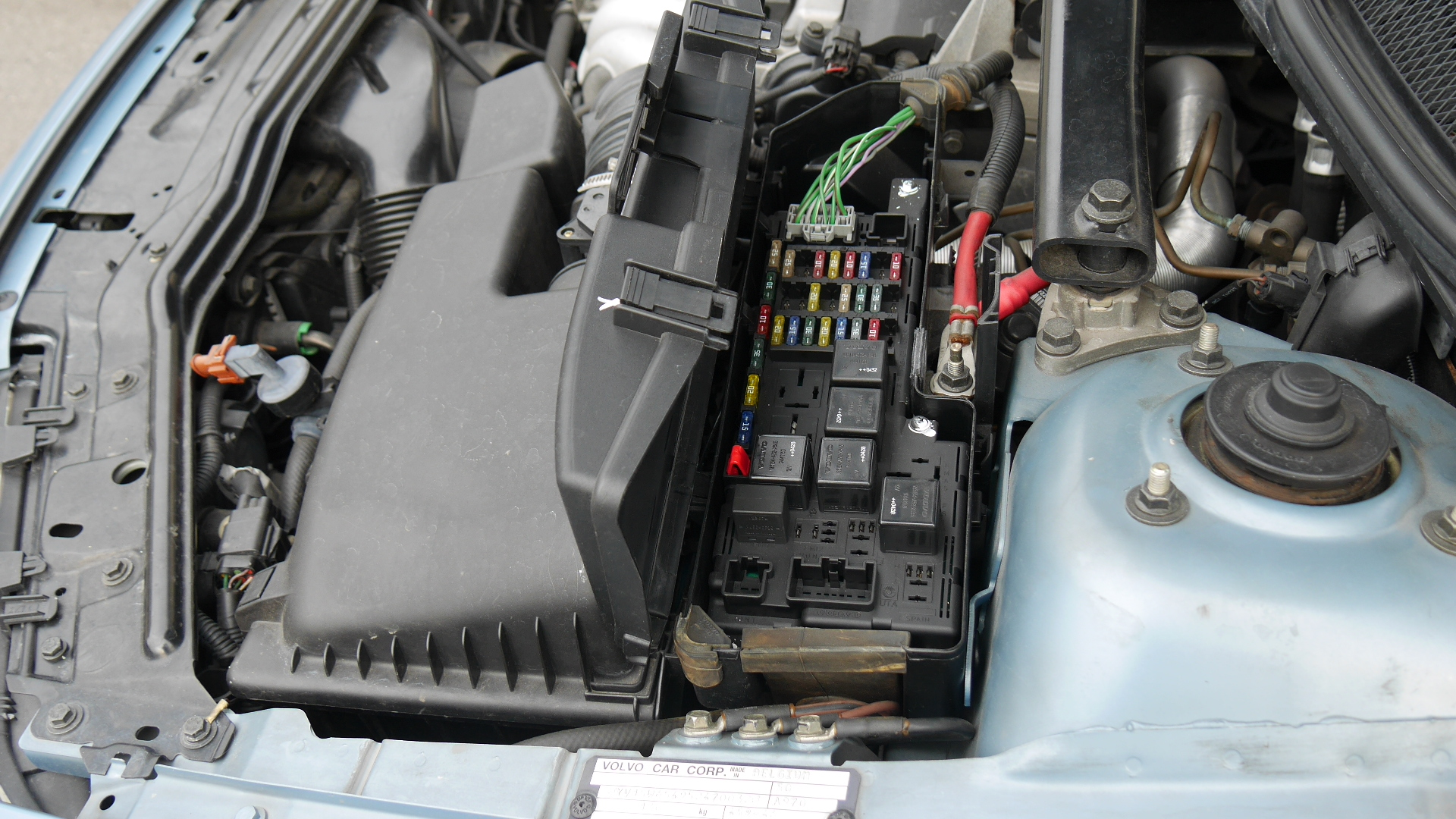 hight resolution of 2005 to 2007 volvo v70 fuse box locations p4940893