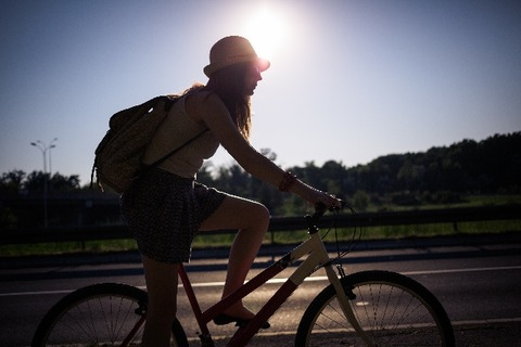 歩道を自転車が走るなんて危ない