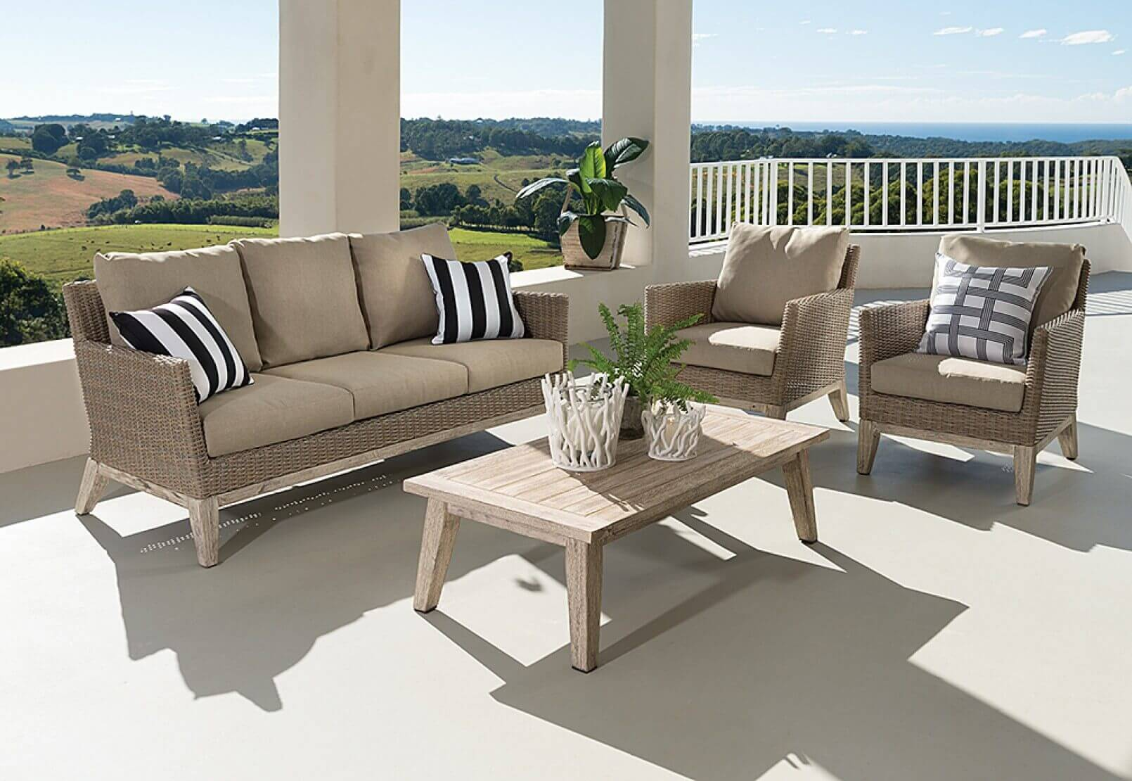 Comfortable Outdoor Chairs 4 Tricks To Maximize Your Outdoor Space Live Enhanced