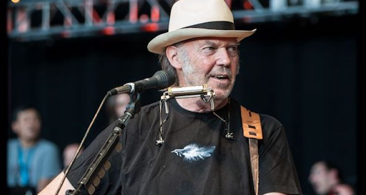 Neil Young Announces Plans To Record New Album With Crazy Horse