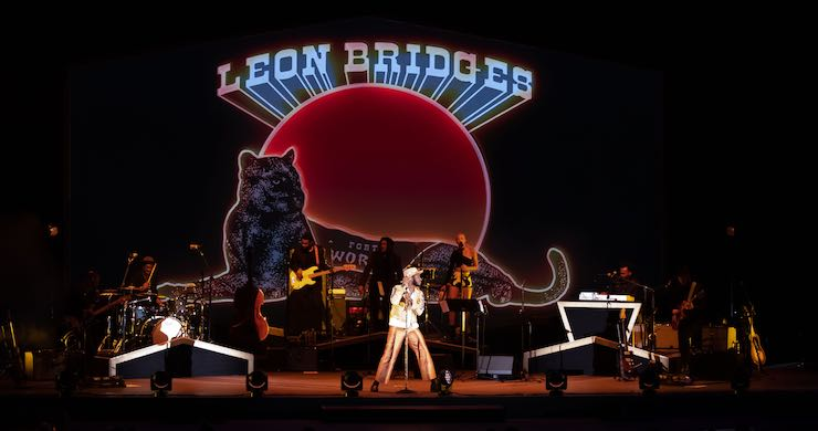 leon bridges, leon bridges 2019, leon bridges hollywood bowl, leon bridges music, leon bridges spotify, leon bridges