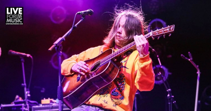 billy strings away from the mire, billy strings new single, billy strings home, billy strings album, billy strings new album, billy strings