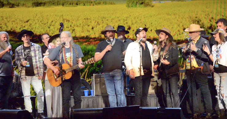 Willie Nelson, Neil Young, Dave Matthews, More Celebrate Farm Aid 2019 [Full-Show Videos]