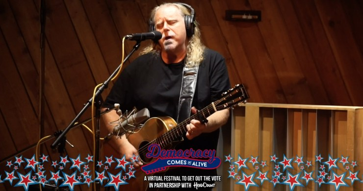 warren haynes, warren haynes 2020, warren haynes interview, warren haynes acoustic, warren haynes democracy comes alive, warren haynes guitar