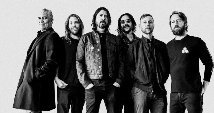 foo fighters, foo fighters roxy, foo fighters roxy stream, the roxy, foo fighters medicine at midnight, medicine at midnight, shame shame, foo fighters shame shame, foo fighters new album, dave grohl, beer's eye view, coors light beer's eye view, shame shame video foo fighters
