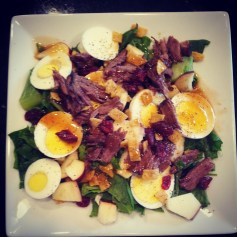 Bacon & Egg Spinach Salad: spinach, lettuce, 1-2 hard boiled eggs (sliced with salt & pepper for flavor), 2 slices bacon (cooked & crispy! or bacon bits if you prefer those and want less work), 1/2 cup apple slices/chunks, 1/4 cup wontons, 1/4 cup sliced green pepper, 1 tsp pepper for taste, 3 tbs Spinach Salad Dressing (Marzetti is a great brand!)