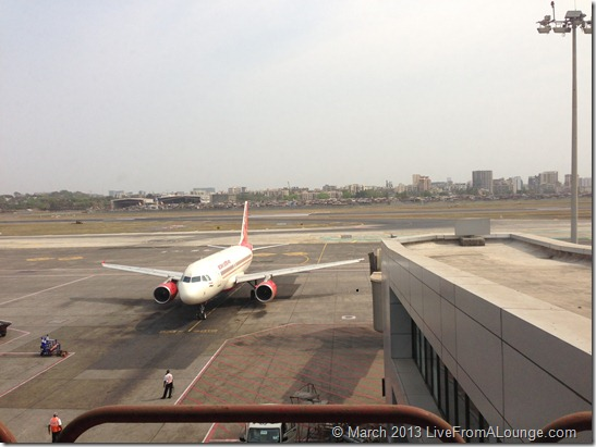 Air India A321 arriving into Mumbai T1A