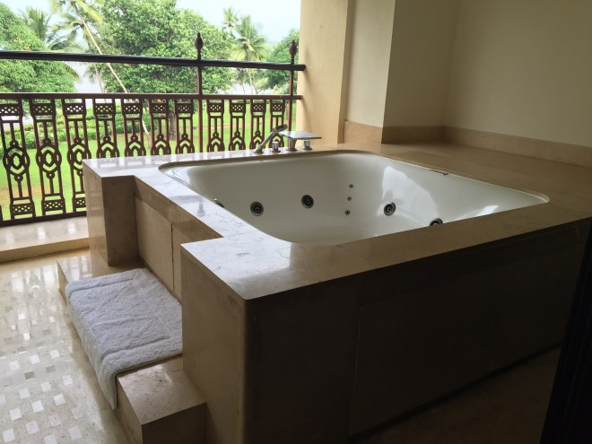 Grand HYatt Bath Tub
