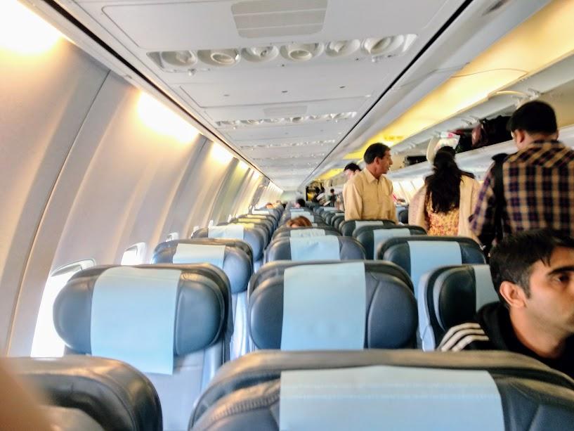 http://livefromalounge.boardingarea.com/2018/03/07/ahlan-business-class-lounge-dubai-airport/