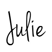 Julie Briggs signature