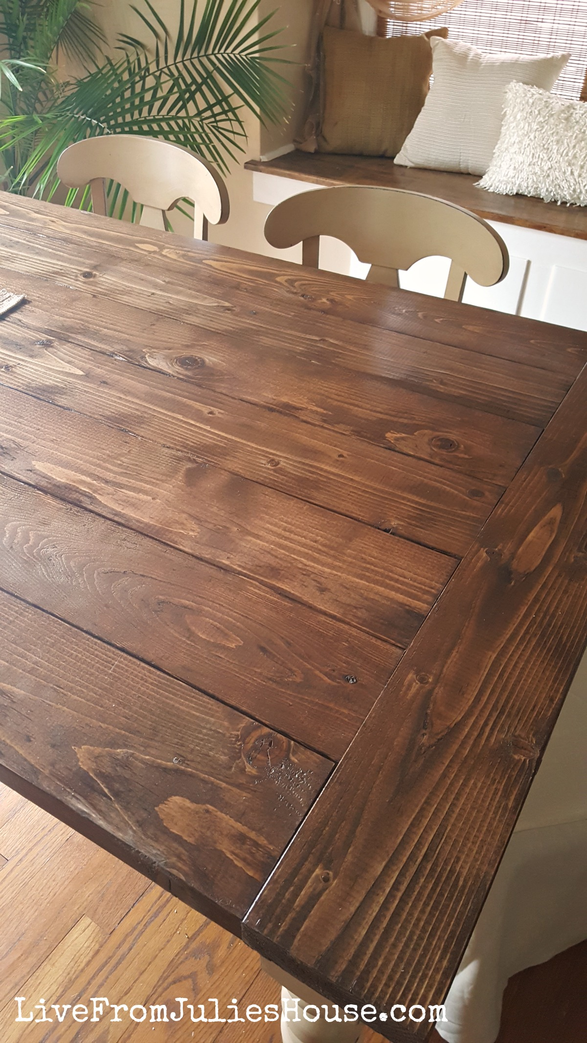 Do you have a dining room table that has seen better days? Give it a whole new updated look with my tutorial for a DIY Farmhouse Table.