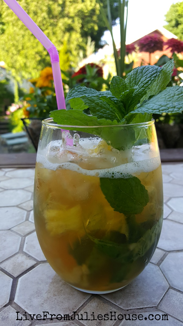 Pineapple Vanilla Mojitos - Today I'm sharing one of my very favorite summer cocktails - a pineapple vanilla mojito. It's perfect for warm summer nights on the patio!