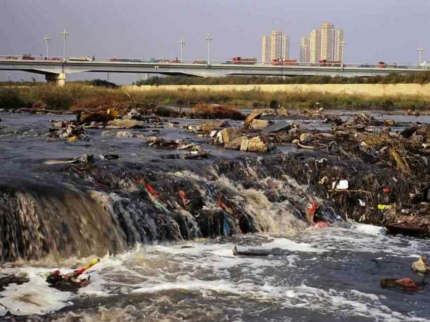 Fen river pollution. Image by National Geographic.