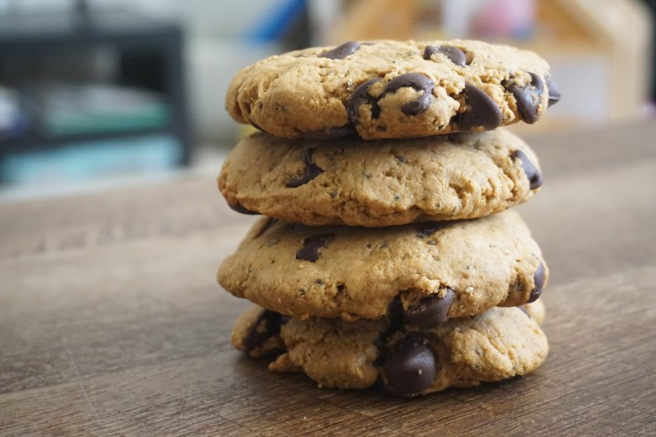 Eggless Butter-less Classic Chocolate Chip Cookies – With Whole Wheat Flour