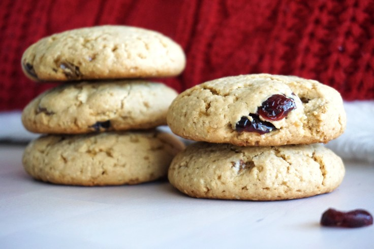 Oatmeal Raisin Whole Wheat Cookies
