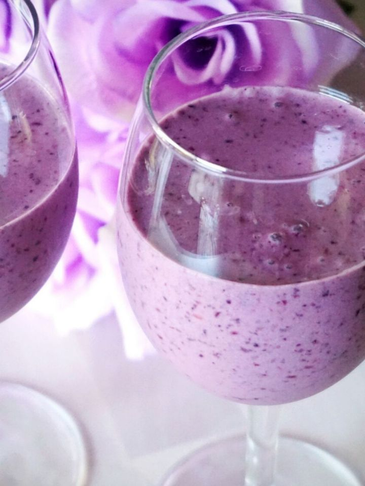smoothie in a glass
