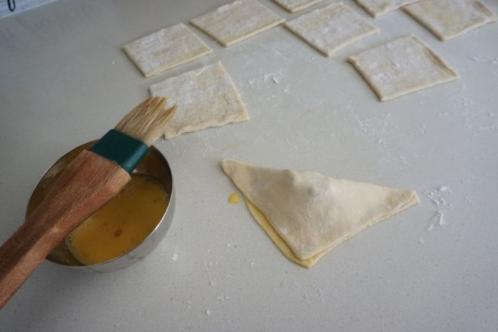 fold in triangle