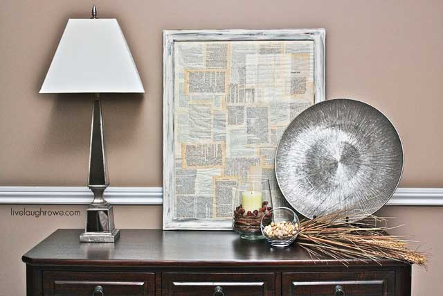 #DIY Upcycled Frame using Annie Sloan Chalk Paint with LiveLaughRowe.com #tutorial